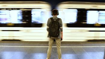 Csőtörés miatt rövid ideig nem állt meg a 3-as metró a Nyugatinál