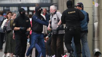 Több tucat belarusz tüntetőt tartóztattak le a rendőrök vasárnap