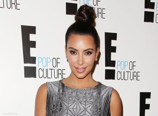 Kim Kardashian is fel szokta csavarni a haját a feje tetejére