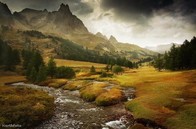 Alpesi rét a Massif des Cerces hegységben, a francia Alpokban