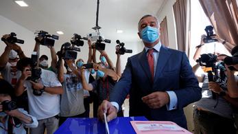 Bezártak a szavazóhelyiségek Montenegróban, a szavazásra jogosultak háromnegyede adta le a voksát