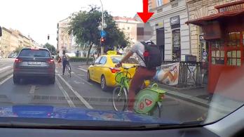 Bringások figyelem, nem csak az autósokat ellenőrzik civil járőrautóból
