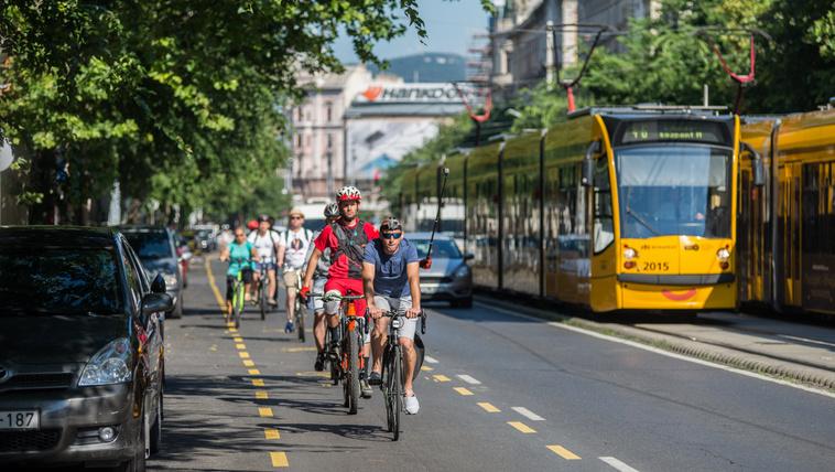 Marad a kerékpársáv a Nagykörúton