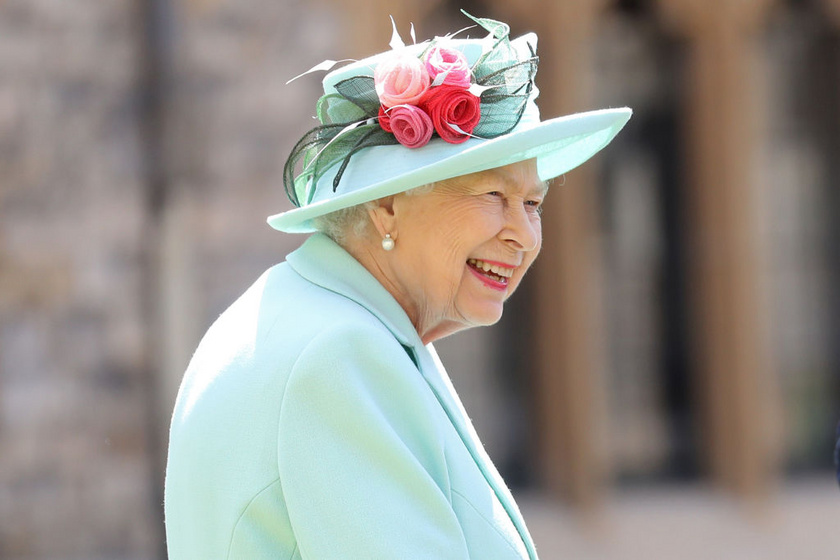 II. Erzsébet jelenleg a Windsor-kastélyban tartózkodik, és csodálatos pompa veszi körül.