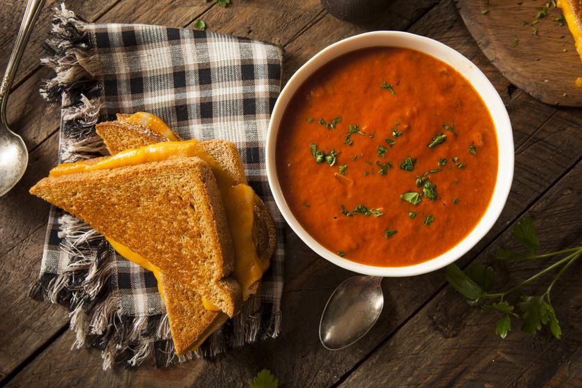 Mediterrán sültparadicsom-leves: ezekkel a fűszerekkel a legfinomabb
