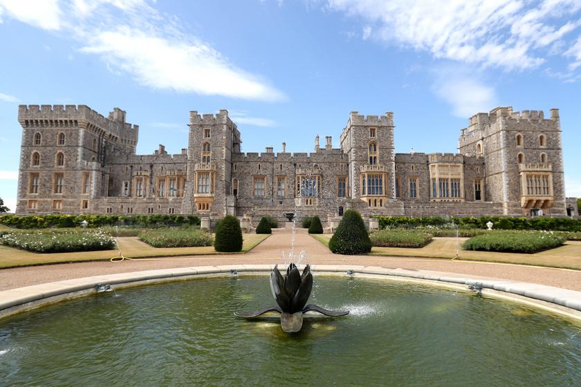 A Berkshire megyében található, mesébe illő kastély eredeti formájában a 11. században épült stratégiai pontként.