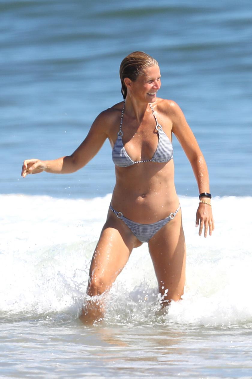 gwyneth paltrow bikini 1