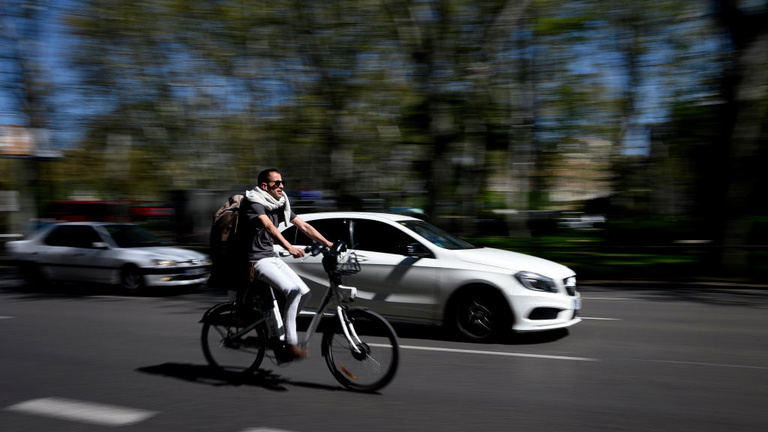 Elektromos kerékpárok – Begurul az állami támogatás vagy inkább toljuk el a biciklit?