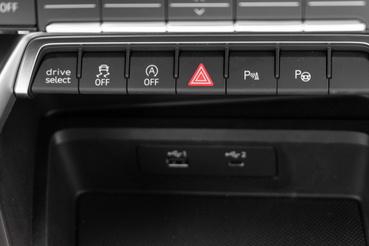 Az a Drive Select gombocska elég drága cucc ám, ha szabályozható lengéscsillapítást is szeretne az ember:467 ezer forint