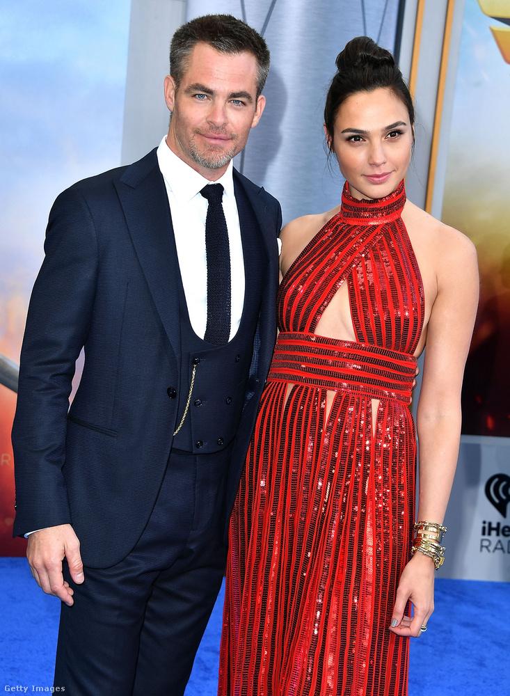 Színészi pályafutásában a legújabb kasszasiker a Wonder Woman című film, amelyben Gal Gadot oldalán játszik a 2018-as, és a hamarosan megjelenő filmben is.
