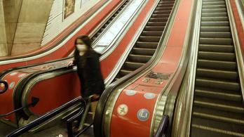 Nem jár a metró a Deákon