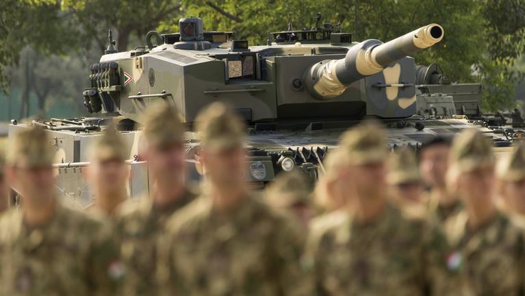 Leopárdok és hiúzok, légvédelem és helikopterek – a magyar honvédelem helyreállítása