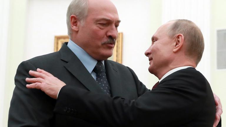 Valamire készülnek az oroszok