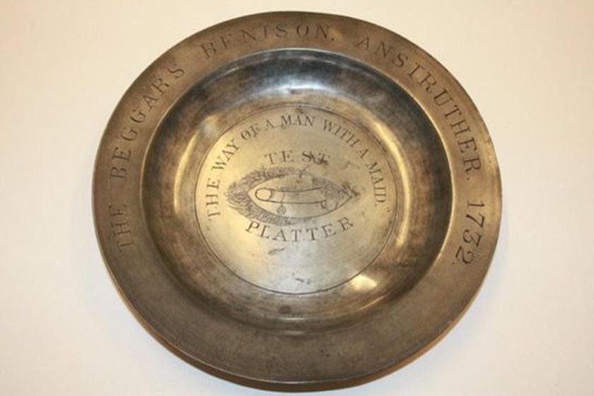 A Beggar's Benison klub egyik tányérja.