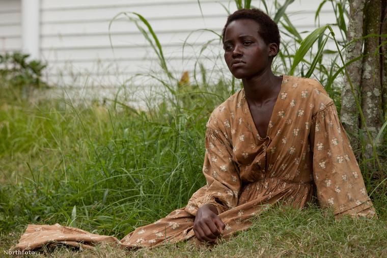 Lupita Nyong'o a 12 év rabszolgaság című drámában kezdte pályafutásár 2003-ban, amiért rögtön Oscar-díjjal jutalmazták meg.