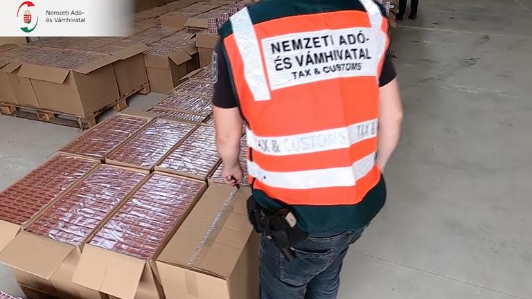 Egymilliárd forint kárt okozott a költségvetésnek az elfogott cigarettacsempész és orgazda hálózat