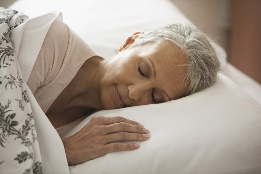 A menopauza idején az alvás minősége is romolhat - Így csökkenthetők a kellemetlen tünetek