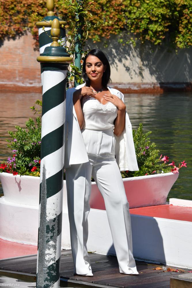 Cristiano Ronaldo barátnője, a 26 éves Georgina Rodriguez is ellátogatott az idei Velencei Filmfesztiválra