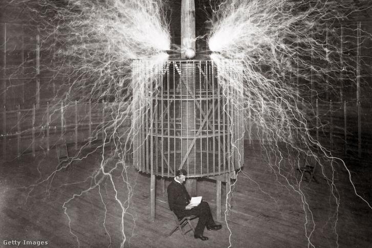 Nikola Tesla coloradói laborjában 1899-ben