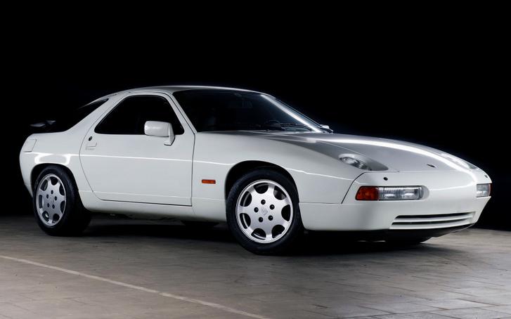 Előbb volt kész a nagy 928-as, aztán mégis később mutatták be