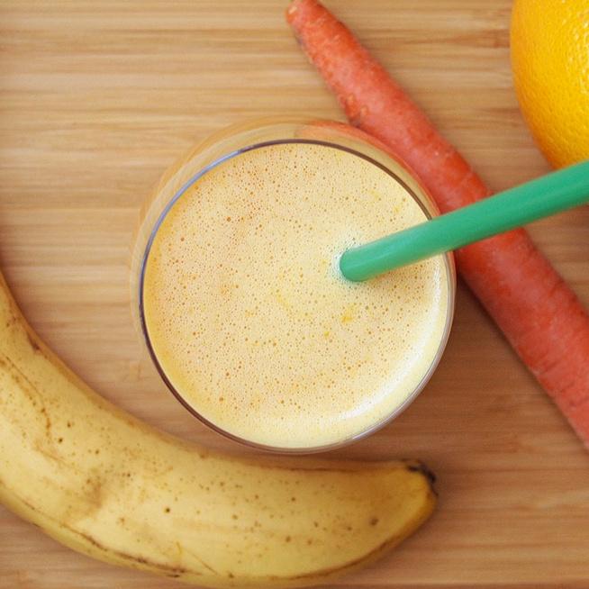 Immunerősítő és gyulladáscsökkentő narancsos smoothie – Gyömbér és kurkuma gazdagítja