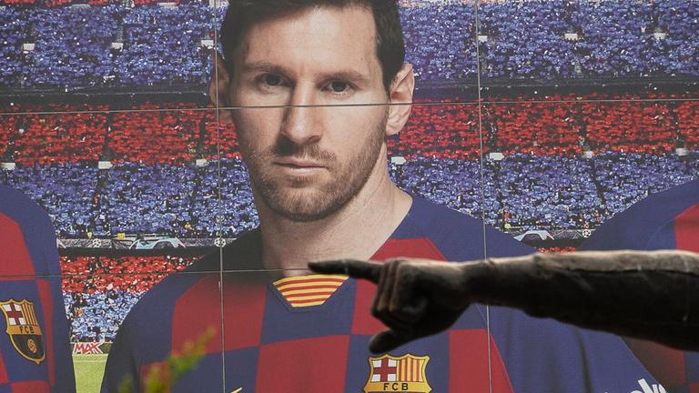 Messi marad a Barcelonában – hivatalos