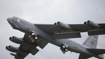 Orosz harci repülők tartóztattak fel amerikai stratégiai bombázókat