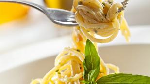 Próbáltad már a spagettit brie sajttal és aszalt gyümölcsökkel?