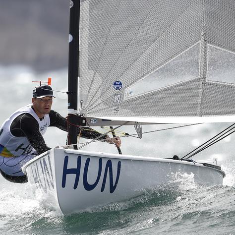 Berecz Zsombor a riói nyári olimpia férfi vitorlásversenyén, a Finndingi hajóosztály ötödik futamában a Rio de Janeiró-i Dicsőség Jachtkikötőben 2016. augusztus 11-én