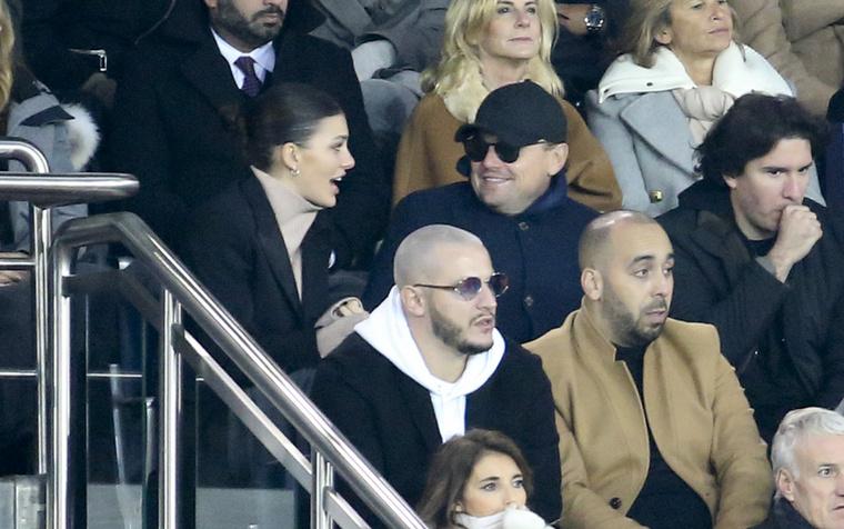 Leonardo DiCaprio és Camila Morrone annyira takargatják kapcsolatukat, hogy még normális vörös szőnyeget képes sem találni róluk, pedig már három éve vannak együtt