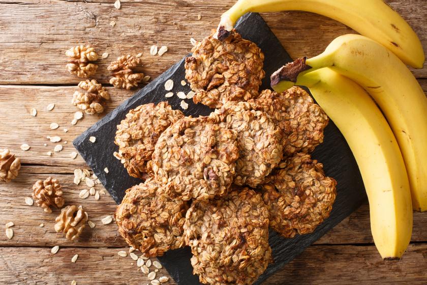 Omlós, roppanós banános-zabpelyhes keksz: villámgyors finomság