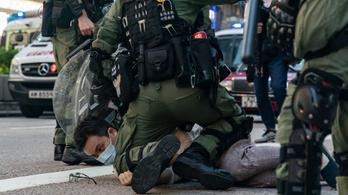 Csaknem 300 embert tartóztattak le a hongkongi tüntetésen