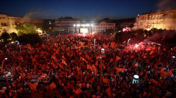 Tömegtüntetések Montenegróban az ország függetlensége mellett