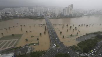 A Hajsen tájfun már Dél-Koreában dühöng