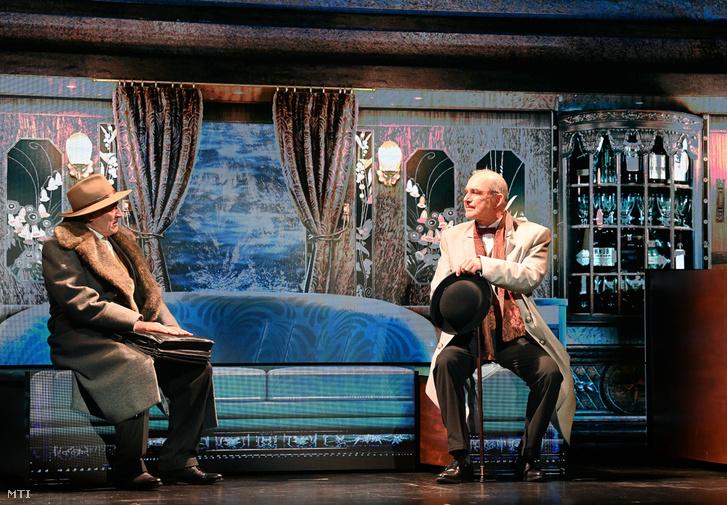 Tamási Zoltán és Szervét Tibor a Gyilkosság az Orient Expresszen fotóspróbáján a Thália Színházban szeptember 2-án