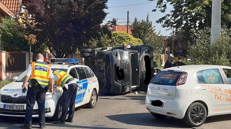 Teherautó ütközött a XX. kerületben