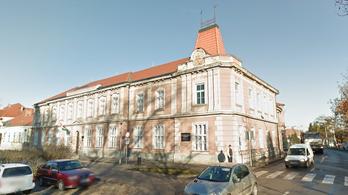 90 diák és 13 tanár került karanténba koronavírus miatt Kapuváron