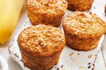 Laktató, energiadús zabpelyhes muffin: banántól szaftos a tésztája