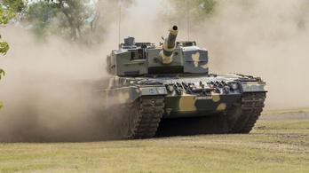 Új harckocsik érkeznek Magyarországra, Hegyeshalom és Tata között lehet látni a konvojt