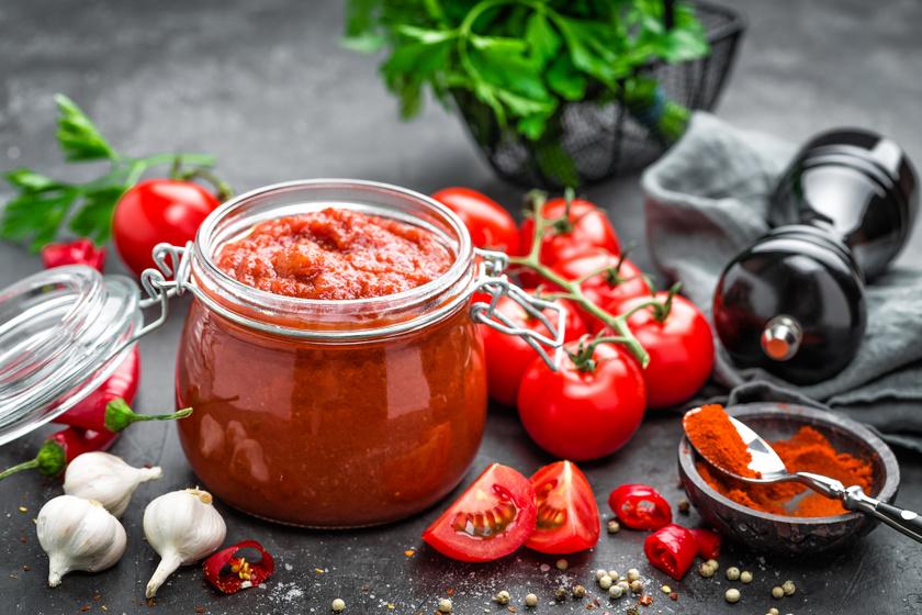 Pikáns, chilis paradicsomszósz háziasan: húsokhoz, tésztákra mindig jól jön