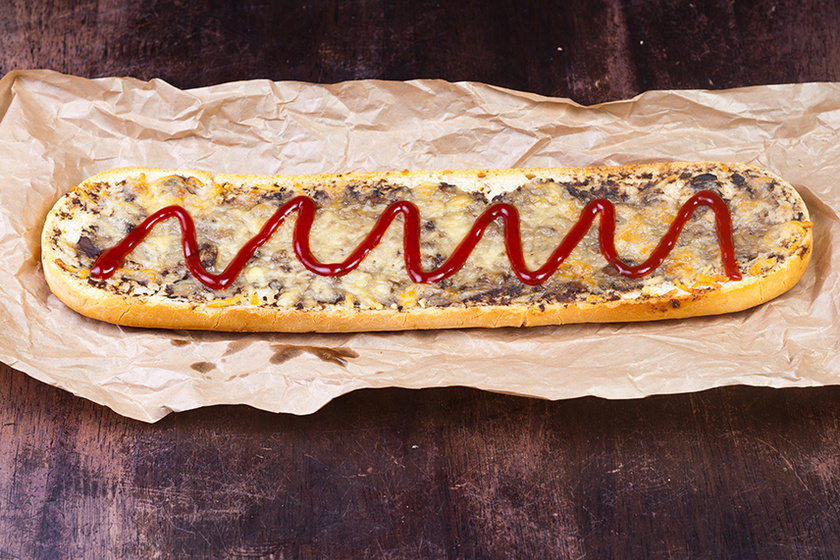 A világ egyik legfinomabb melegszendvicse: a lengyel Zapiekanka ebédre is megállja a helyét