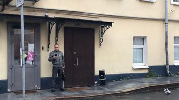 Karhatalmi fegyveresek törtek be egy szerkesztőségbe Oroszországban