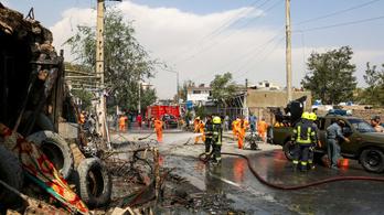 Merényletet kíséreltek meg az az afgán alelnök ellen, tíz ember meghalt