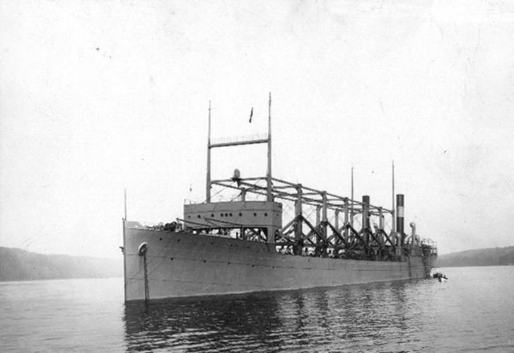A USS Cyclops a Hudson-folyón, 1911-ben.