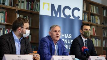 Bemutatkozott Orbán tehetséggondozója, a magyar ellen-CEU