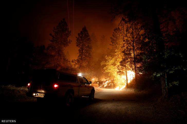 Bozóttűz Kaliforniában 2020. szeptember 10-én az Oroville tóhoz közel