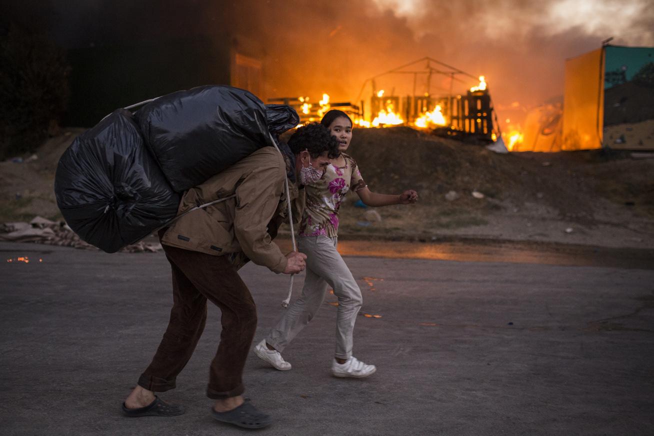menekülttábor-tűz7