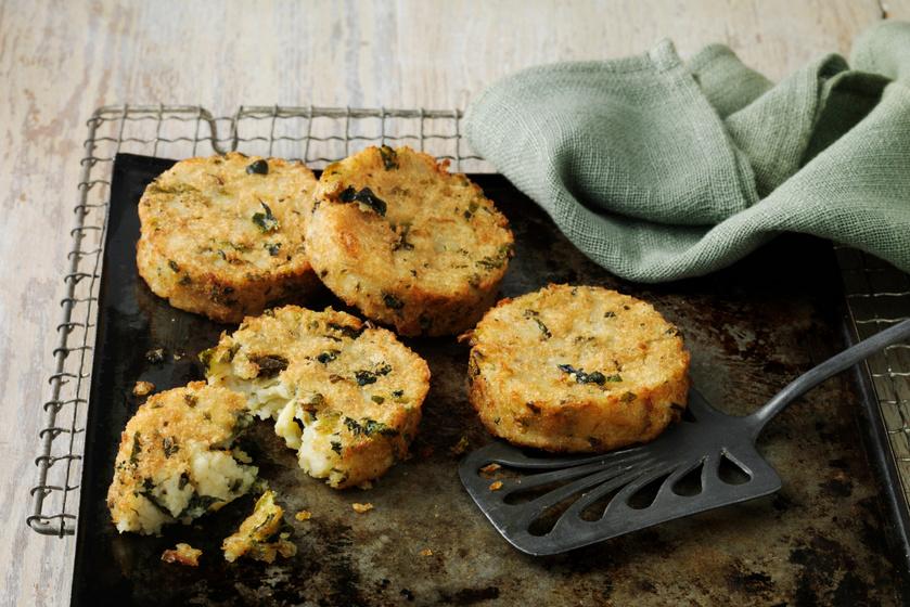 Spenótos, hagymás krumplis röszti: a sütőben is jó ropogósra sül