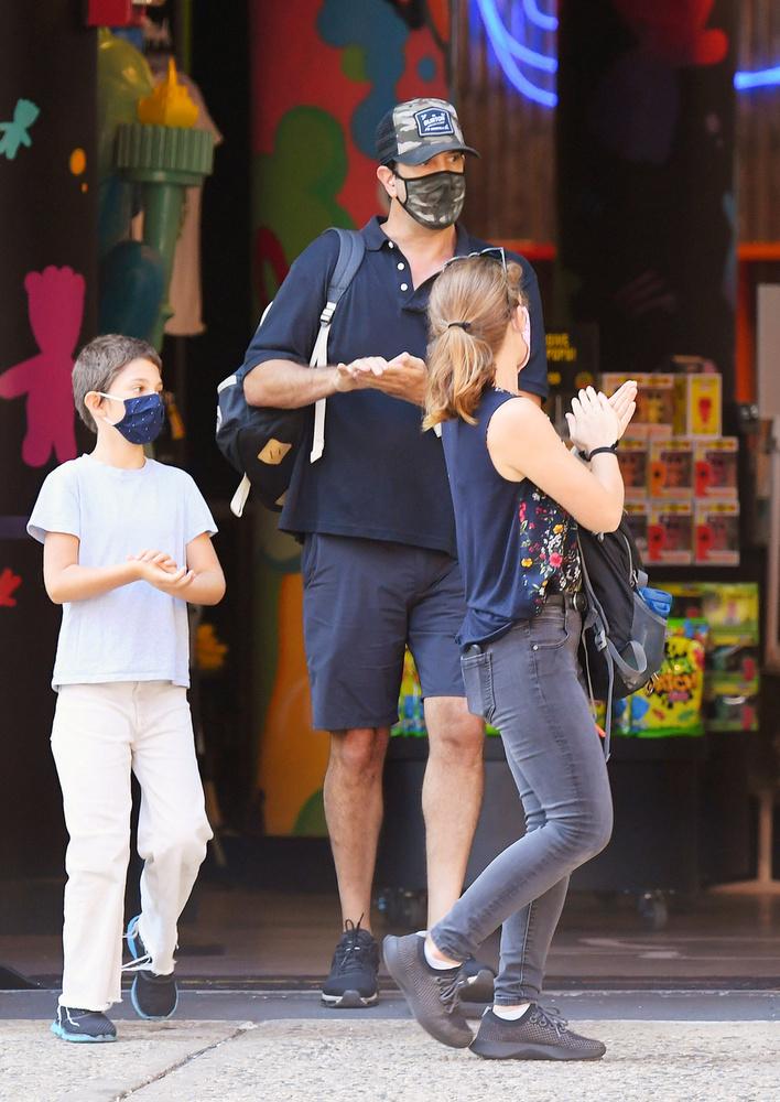 Az, hogy maszkot viselnek, csak egy dolog, a kézfertőtlenítésre is ügyeltek