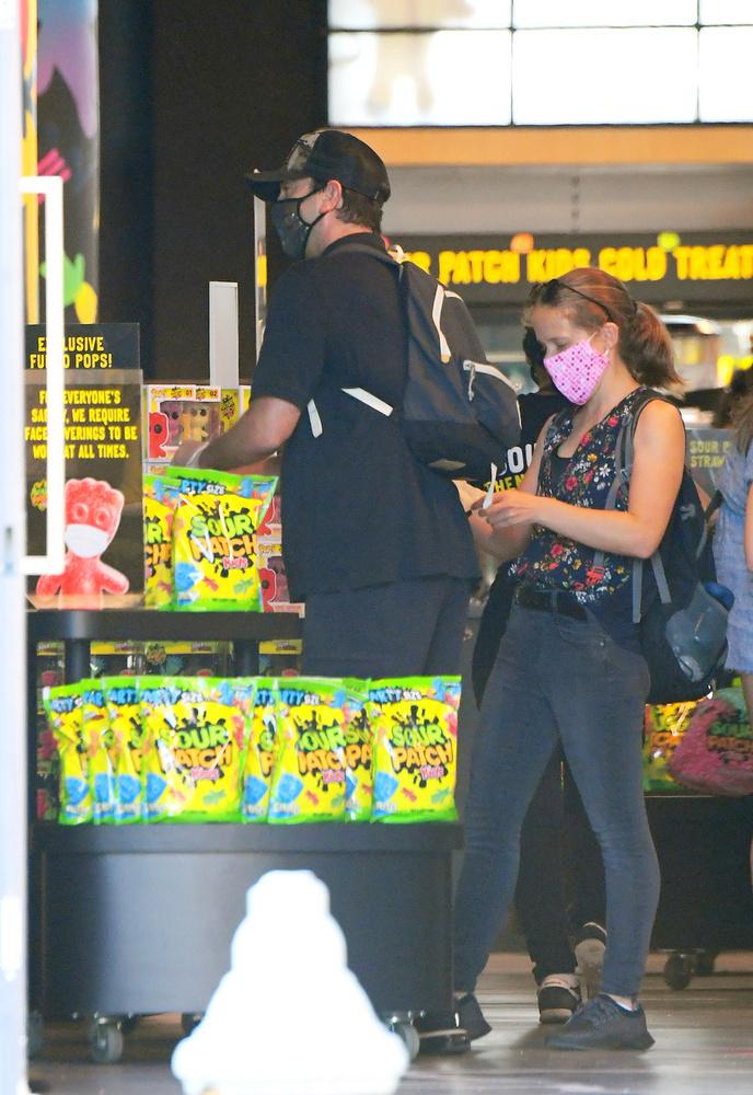 Schwimmer 7 évig tartó házassága 2017-ben ért véget egy Zoë Buckman nevű színésznő/fotóssal, ebből a házasságából született a színész lánya.